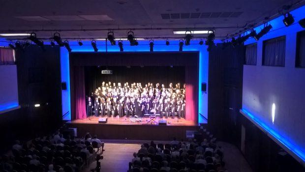 Greenford Hall - rock choir performance
